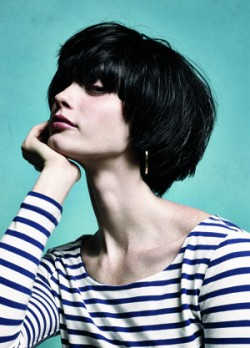 short hairstyle blowout brunette
